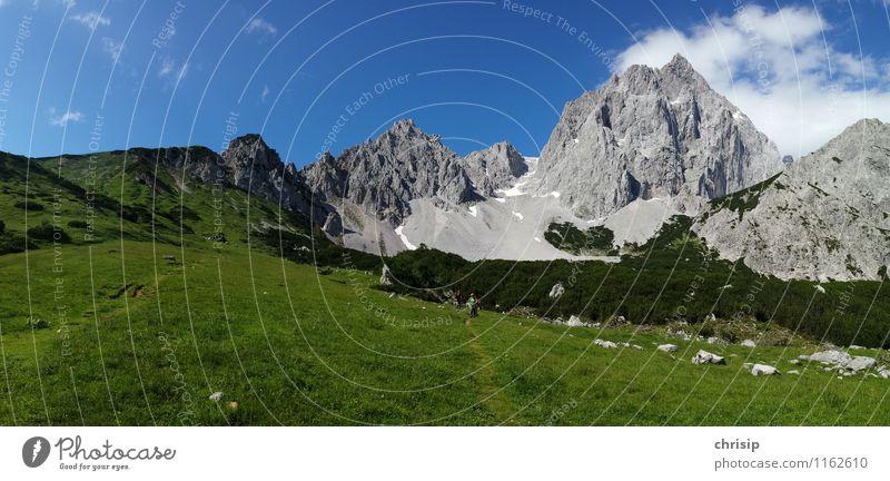 GRÜN Himmel Natur Ferien & Urlaub & Reisen blau grün Erholung Landschaft Wolken Freude Umwelt Berge u. Gebirge Gefühle Bewegung Gras Wege & Pfade grau