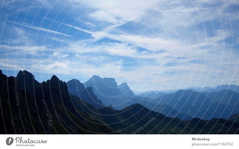 Hoch hinaus Himmel Natur blau grün Sommer weiß Sonne Wolken Ferne schwarz Umwelt Berge u. Gebirge Wärme natürlich grau außergewöhnlich