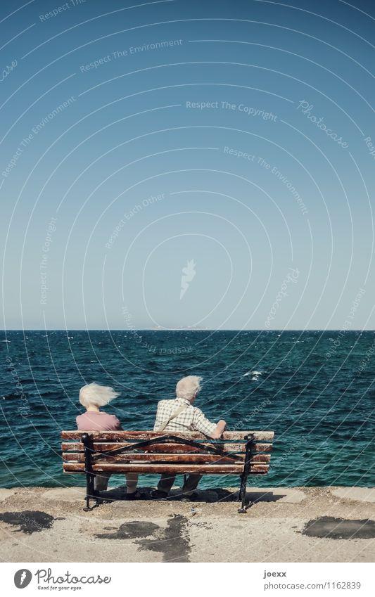 Wind-Stille Mensch Frau Ferien & Urlaub & Reisen Mann ruhig Ferne Leben Gefühle Senior Küste Paar Freizeit & Hobby Wellen sitzen 60 und älter