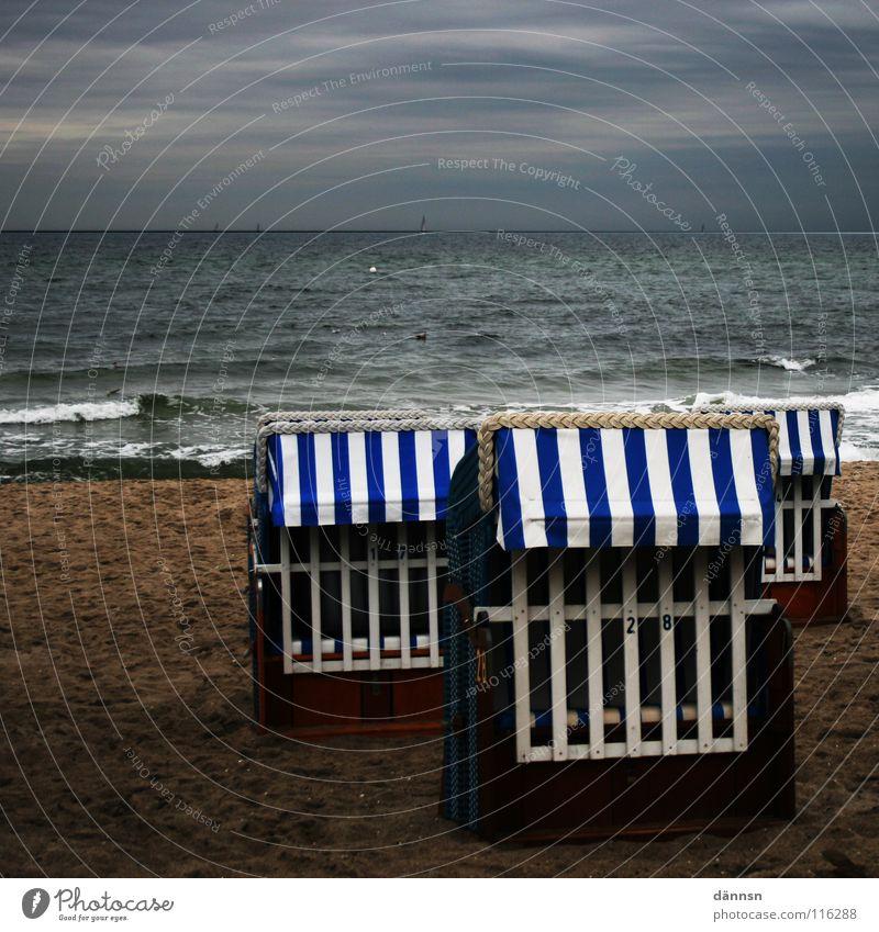 Ostseekörbe Wasser Himmel Meer blau Strand Wolken dunkel Herbst Sand Luft Küste Wind 3 geschlossen Platz Stuhl