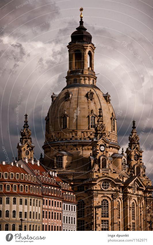 Frauenkirche Kunst Kunstwerk Skulptur Architektur Sachsen Dresden Barock Deutschland Stadt Stadtzentrum Altstadt Menschenleer Kirche Bauwerk Gebäude alt groß