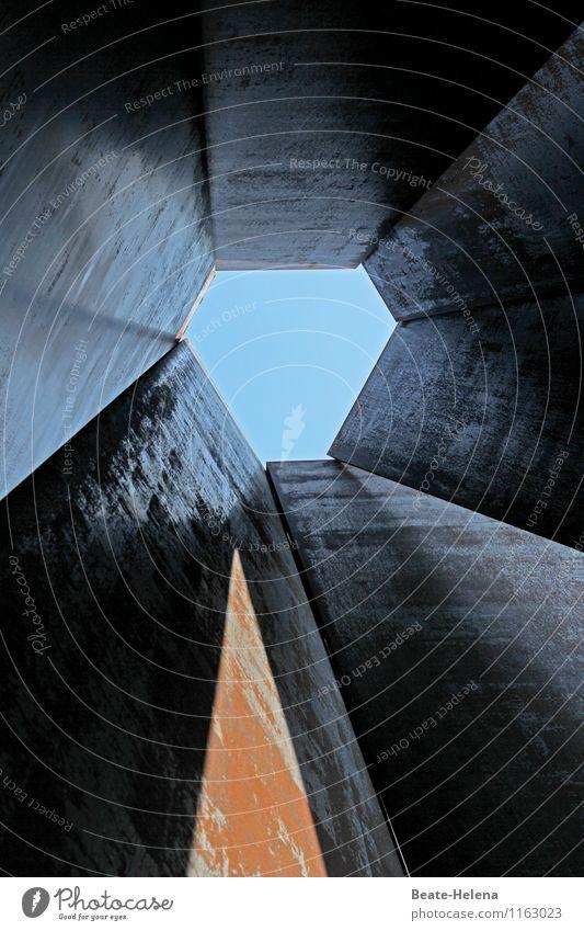 Himmelwärts Lifestyle Reichtum Sonne Technik & Technologie Industrie Sonnenlicht Sehenswürdigkeit Stahl entdecken Blick außergewöhnlich eckig hoch lang blau