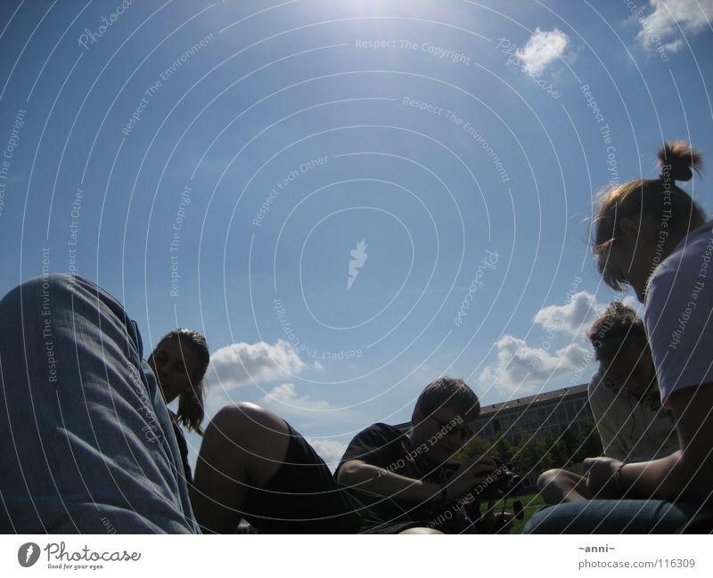 einfach ma chilln Jugendliche grün Sonne Sommer ruhig Erholung gelb Wiese Freiheit Wärme Kunst Physik gemütlich Geborgenheit Vielfältig angenehm