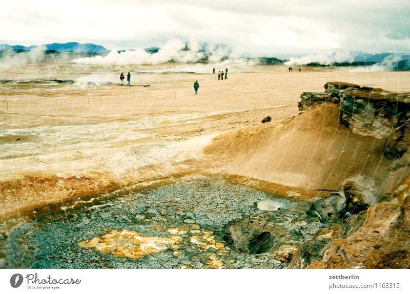 Island (18) Mensch Himmel Natur Ferien & Urlaub & Reisen Wasser Wolken Ferne Berge u. Gebirge Reisefotografie Menschengruppe Felsen Horizont Tourismus Nebel