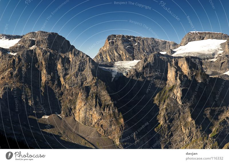 Massiv I weiß Schnee Berge u. Gebirge grau Eis Schweiz Berghang