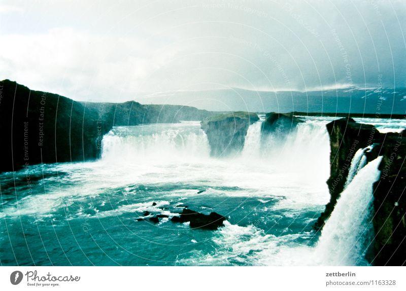 Island (19) Insel Ferne Sehnsucht Skandinavien Ferien & Urlaub & Reisen Reisefotografie Tourismus Norden nordisch Geysir Wasser Wasseroberfläche Wasserfall