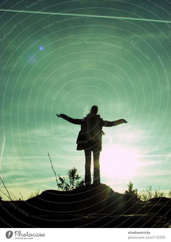 ANNA Gegenlicht rein Hügel Mensch Himmel Freiheit Sonne Silhouette Natur natur pur Wildtier wildlife Berge u. Gebirge Perspektive natürlich Außenaufnahme