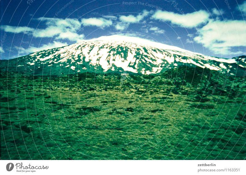 Island (7) Himmel Natur Ferien & Urlaub & Reisen Himmel (Jenseits) Wasser Wolken Ferne Reisefotografie Berge u. Gebirge kalt Wiese Gras Felsen Horizont
