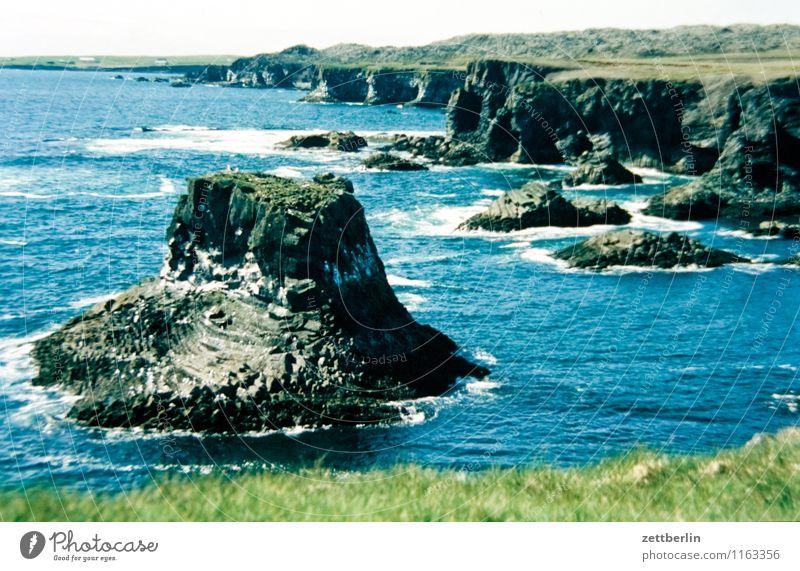 Island (11) Insel Ferne Sehnsucht Nordsee Skandinavien Ferien & Urlaub & Reisen Reisefotografie Norden nordisch Geysir Wasser Wasseroberfläche Meer Felsen Natur