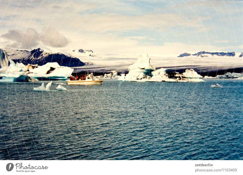 Island (8) Ferne Sehnsucht Nordsee Skandinavien Ferien & Urlaub & Reisen Reisefotografie Tourismus Norden nordisch Geysir Wasser Wasseroberfläche Meer Felsen