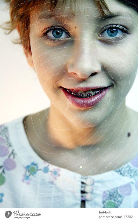 Smiley Kind schön Mädchen Freude Auge lachen Glück lustig Fröhlichkeit süß niedlich Überraschung grinsen Witz Zahnspange Zahnmedizin