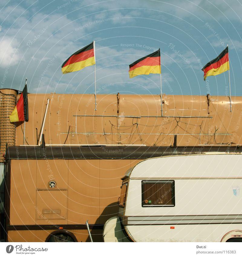 Wirtschaftsstandort Rheinwiese Ferien & Urlaub & Reisen Fenster braun 3 Fahne Kabel Häusliches Leben 4 Veranstaltung Deutsche Flagge verstecken Mobilität Camping gemütlich Schönes Wetter beweglich