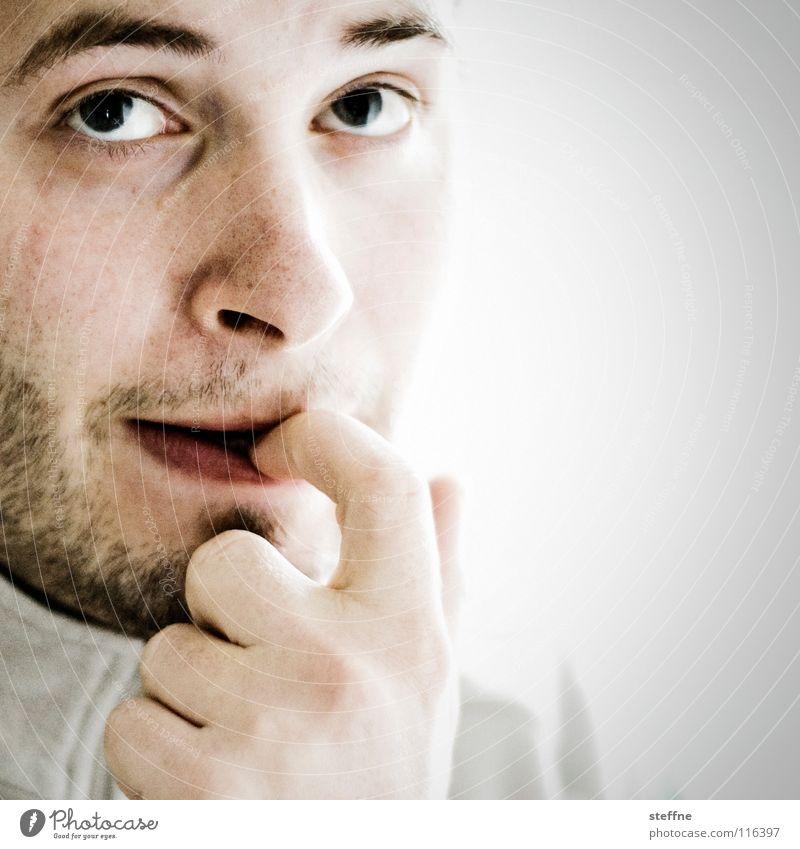 Was wird es bringen Mann Gesicht Auge Gefühle Denken Ernährung Haut Mund Nase gefährlich Finger Elektrizität Lippen Vergangenheit Bart böse