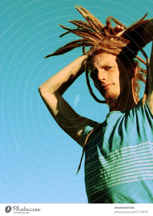 Archaisch Mann Rastalocken blond rot Haare & Frisuren Reggae Stil alternativ Porträt Laune gut Fröhlichkeit Mensch Typ Funky Himmel Mund Nase Mode