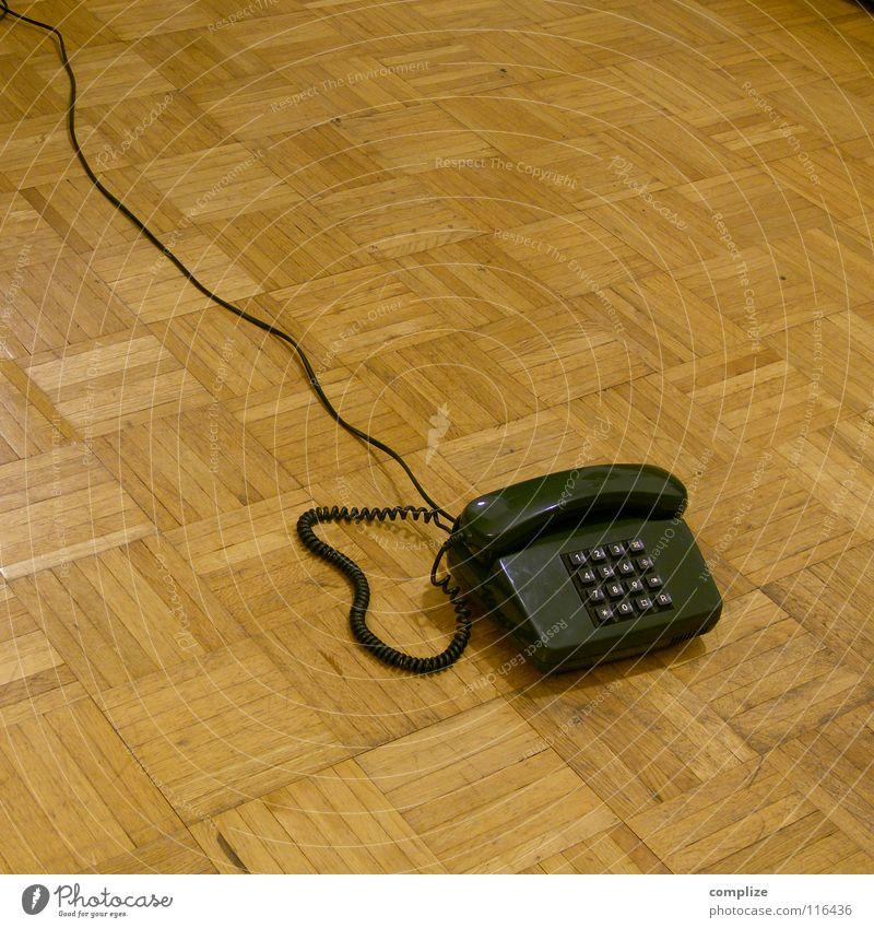 Mobile Telefon Siebziger Jahre Achtziger Jahre retro Parkett Holz Wohnung Kosten Ziffern & Zahlen Vergangenheit Mobilität braun grün multimedial