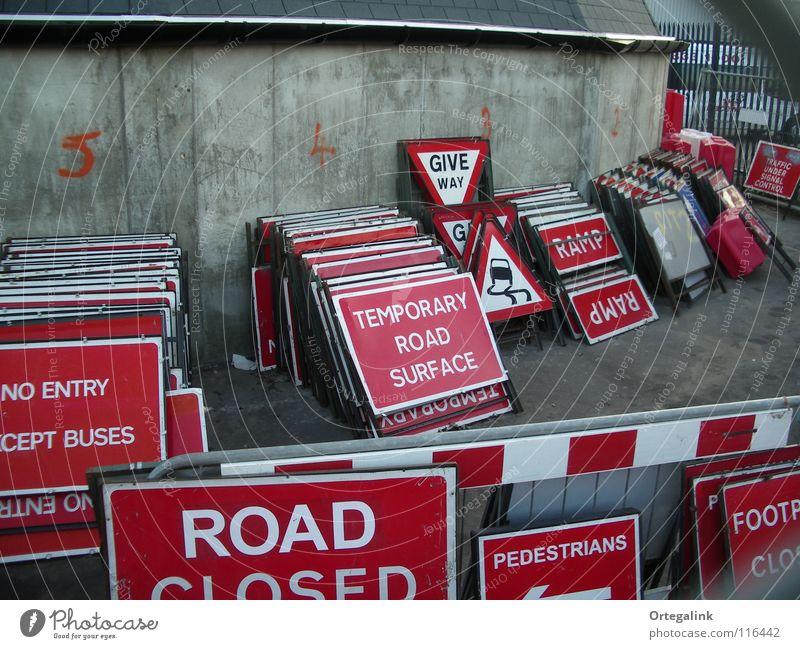 Britische Straßenschilder rot Schilder & Markierungen Verkehr England Straßennamenschild