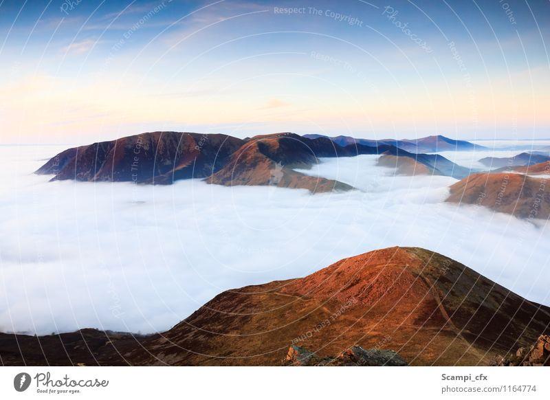 Der schöne Moment II Himmel Natur Ferien & Urlaub & Reisen Erholung Einsamkeit Landschaft ruhig Wolken Ferne Berge u. Gebirge Wege & Pfade Freiheit Felsen