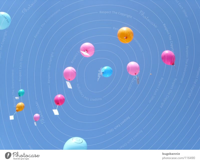 luftballons von bugsbannie ein lizenzfreies stock foto zum thema himmel blau freude von photocase. Black Bedroom Furniture Sets. Home Design Ideas
