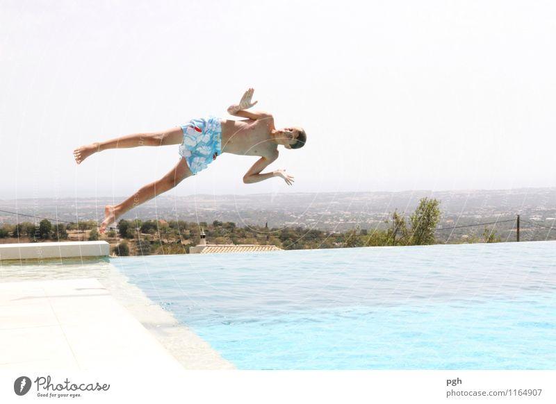 . . . hello . . here I am . . . Mensch Kind Ferien & Urlaub & Reisen Jugendliche blau Sommer Wasser Freude kalt Sport Schwimmen & Baden Stimmung springen maskulin Zufriedenheit frisch