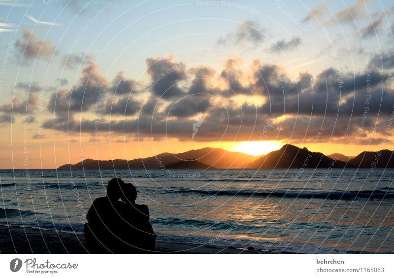 wo das meer am tiefsten ist Ferien & Urlaub & Reisen Tourismus Ausflug Ferne Freiheit Sommerurlaub Frau Erwachsene Mann Paar Himmel Wolken Sonne Frühling