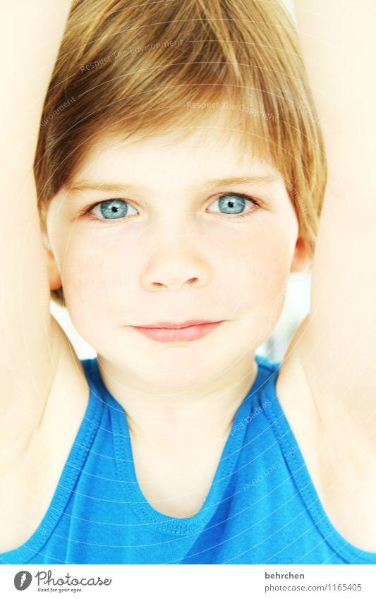 der gößte! Kind blau schön Freude Gesicht Auge Liebe Junge Sport Spielen lachen Haare & Frisuren Kopf Zufriedenheit wild Kindheit