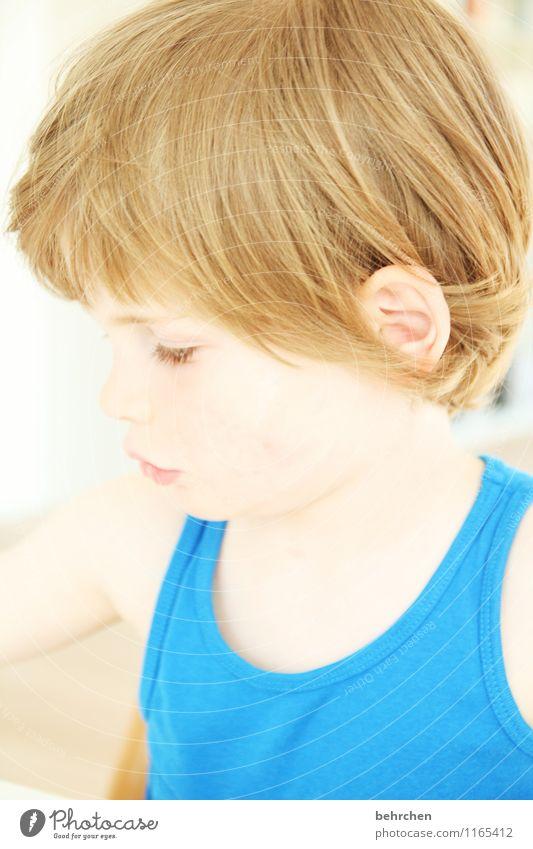 lebenselixier | unsere kinder Mensch Kind schön Gesicht Auge Liebe Junge Familie & Verwandtschaft Spielen Haare & Frisuren Kopf Körper nachdenklich blond