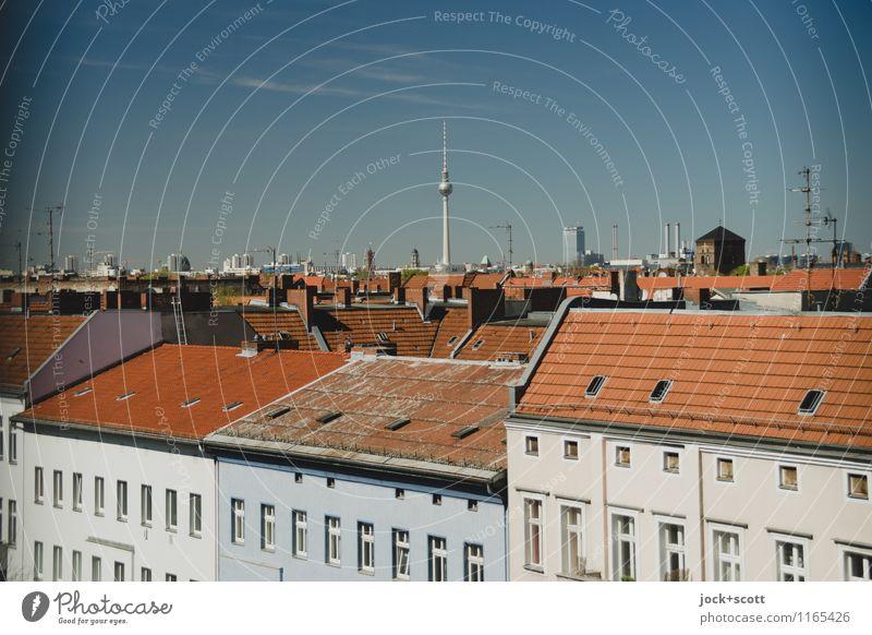 Ansichtssache Stadtansicht Wolkenloser Himmel Schönes Wetter Neukölln Hauptstadt Stadtzentrum Stadthaus Fassade Dach Wahrzeichen Berliner Fernsehturm oben