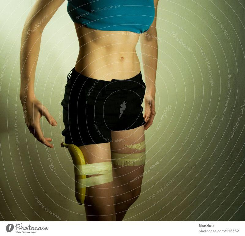 Ballerspiele Frau Mensch Jugendliche schön Erwachsene feminin Spielen Erotik Körper Frucht außergewöhnlich Aktion Körperhaltung 18-30 Jahre Medien skurril