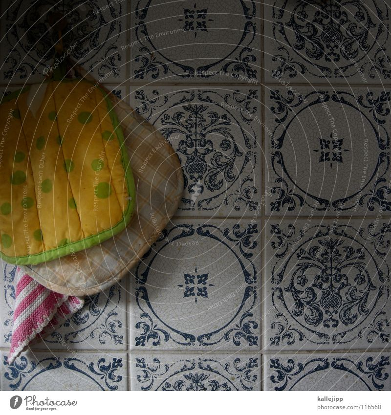 heiss und fettig blau alt weiß gelb Ernährung Wärme Holz Wohnung rosa dreckig Energiewirtschaft Elektrizität Dekoration & Verzierung Kochen & Garen & Backen Küche Punkt
