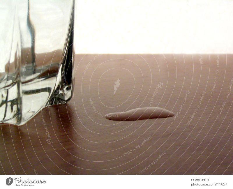Daneben #2 Whiskey Seite verschütten Holz Tisch Ernährung Glas Wasser Wassertropfen
