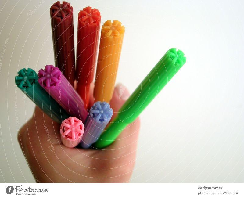 Stiftehalter 2.0 Arbeit & Erwerbstätigkeit Hand Finger Schreibwaren Schreibstift festhalten schreiben streichen blau gelb grün violett rosa rot Farbe