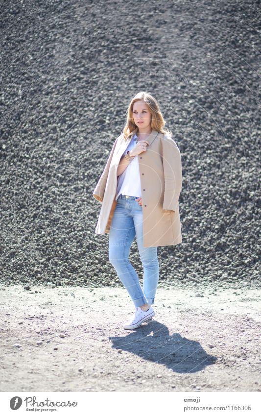 mode Mensch Jugendliche schön Junge Frau 18-30 Jahre Erwachsene feminin Mode trendy Mantel