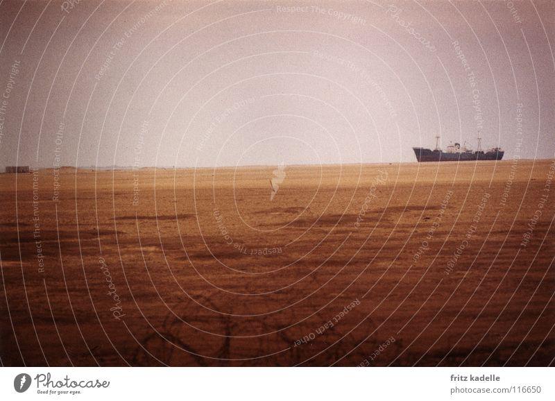 Wüstenschiff Wasser Meer Ferne Sand Wasserfahrzeug Perspektive Aussicht Afrika gut Amerika Erscheinung Ägypten Abwasserkanal