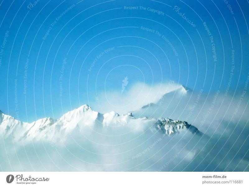 der tag wird toll... Wolken Winter kalt Berge u. Gebirge Schnee Wetter Eis Gipfel Alpen Frankreich Blauer Himmel Dezember unberührt Winterurlaub massiv Neuschnee