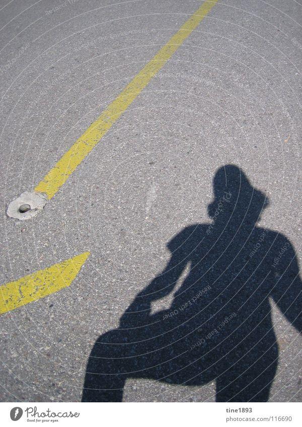 Shadow Asphalt Sommer heiß Kanton Tessin Schweiz Europa Außenaufnahme Schattenspiel Straße Strassenzeichen Mensch Glück deutlich San Salvatore Berge u. Gebirge