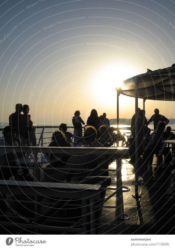 boatz_people Sonnenuntergang Wasserfahrzeug Fähre Mann Frau Licht & Schatten Blick genießen Reling Romantik Ferien & Urlaub & Reisen schön Freude Kroatien Meer