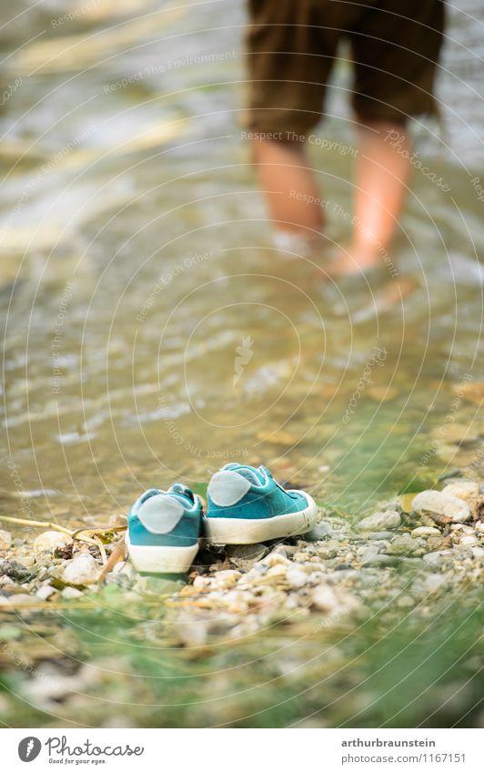 Spielen im Wasser Mensch Kind Natur Ferien & Urlaub & Reisen Sommer Freude Umwelt Junge Gesundheit gehen Lifestyle maskulin Tourismus Kindheit