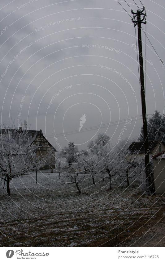 Winterstille ruhig Einsamkeit dunkel kalt Traurigkeit Deutschland leer Trauer