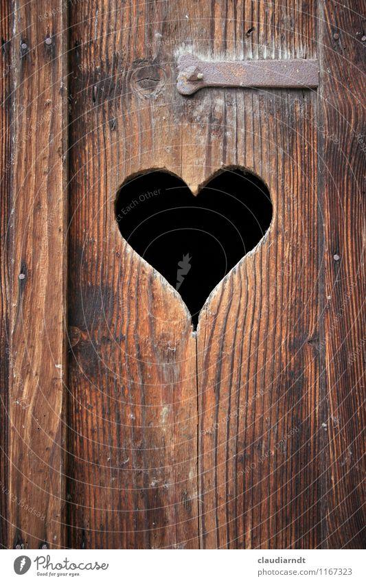 Örtchen Tür Holz Zeichen Herz alt braun Toilette Holztür Toilettentür Plumpsklo Liebe Loch herzförmig Verdauungsystem Verstopfung Darm Bedürfnisse Nostalgie