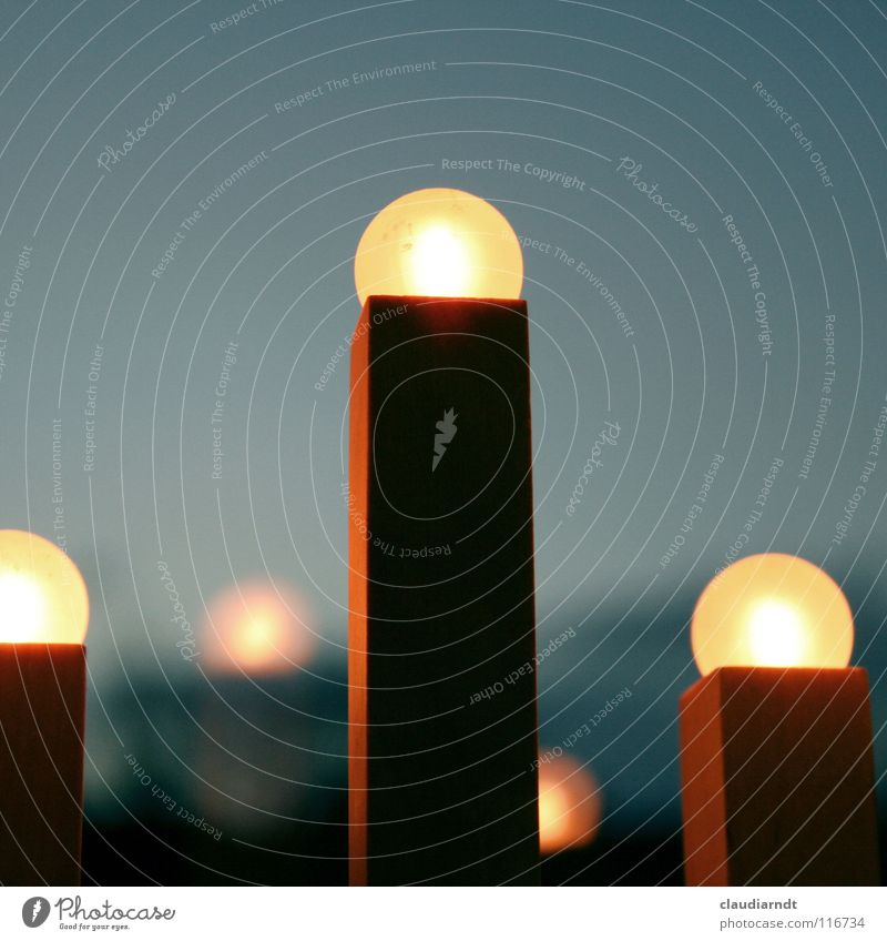 i i i Weihnachten & Advent gelb Fenster Holz Wärme Lampe Wohnung Ecke Kerze einfach Dekoration & Verzierung gemütlich Licht Streichholz Erwartung