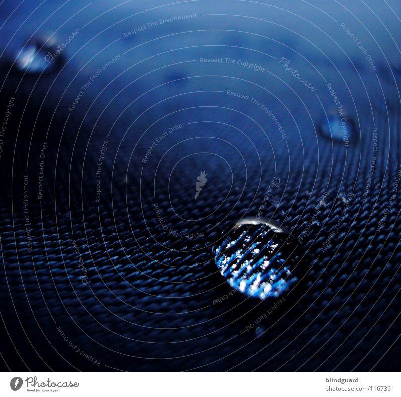 Wenn Polyester Weinen grün Wasser Umwelt Leben klein Lampe Regen glänzend frisch Wassertropfen groß Klima nass nah Stoff Unwetter