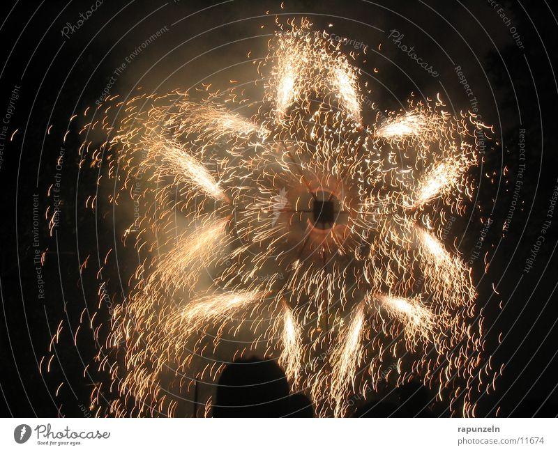 Feuerwerk: Stern Silvester u. Neujahr Freizeit & Hobby Lichterfest Pyro Pyrotechnik Stern (Symbol) Funken