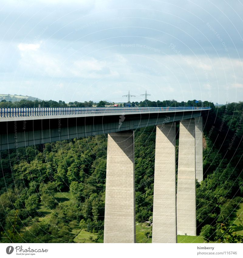 brückencase A3 Himmel Straße Wald Stein Deutschland Beton Brücke Autobahn Bauwerk Verkehrswege Säule Tal Bahnübergang Betonboden