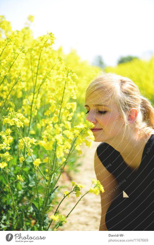Summertime Mensch Frau Jugendliche schön Junge Frau ruhig Gesunde Ernährung Erwachsene Gesicht Leben feminin Gesundheit Glück Haare & Frisuren Kopf