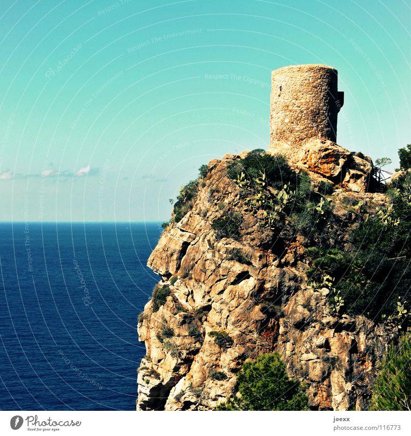 Rundschau Aussicht Blick Aussichtsturm Festung Mallorca Meer Posten Ruine rund See Suche tief Tourismus Überwachung Ferien & Urlaub & Reisen Wachturm Burgturm