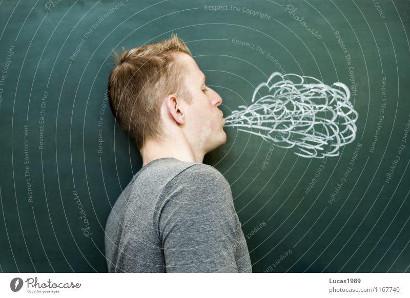 nur heiße Luft Mensch Jugendliche Mann Junger Mann 18-30 Jahre Erwachsene Schule maskulin blond lernen Studium T-Shirt Bildung Rauchen ausdruckslos
