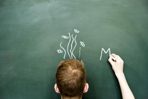 Lehrer riecht Mensch Jugendliche Mann Junger Mann 18-30 Jahre Erwachsene Schule maskulin lernen Studium Sauberkeit Buchstaben Bildung schreiben