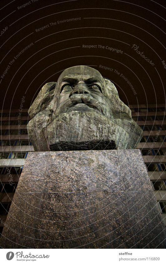 KARL RANSEIER Chemnitz Kopf Statue Denkmal Wahrzeichen Kunst Kommunismus Marktwirtschaft Philosophie schwarz grau links Sozialismus Kapitalismus Arbeiter