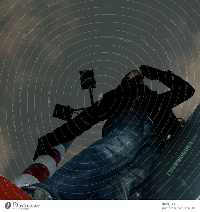krähennest Mensch Himmel Mann Hand Haus Berge u. Gebirge Gefühle See Lampe Fassade springen Luft Freizeit & Hobby frisch frei Aktion