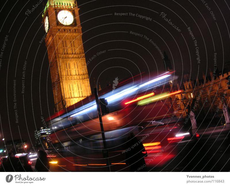 Streets of London Big Ben Stadt Nachtaufnahme Licht dunkel Houses of Parliament Tourist beeindruckend Uhr Zifferblatt England Geschwindigkeit Nachtleben